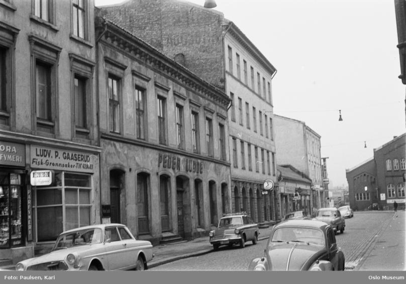T 4 6 8 10 mot Jernbanegata OM 1966 Kari Paulsen