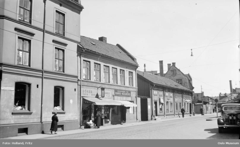 V 13 midt i bildet Karl 16 til høyre 1936.png