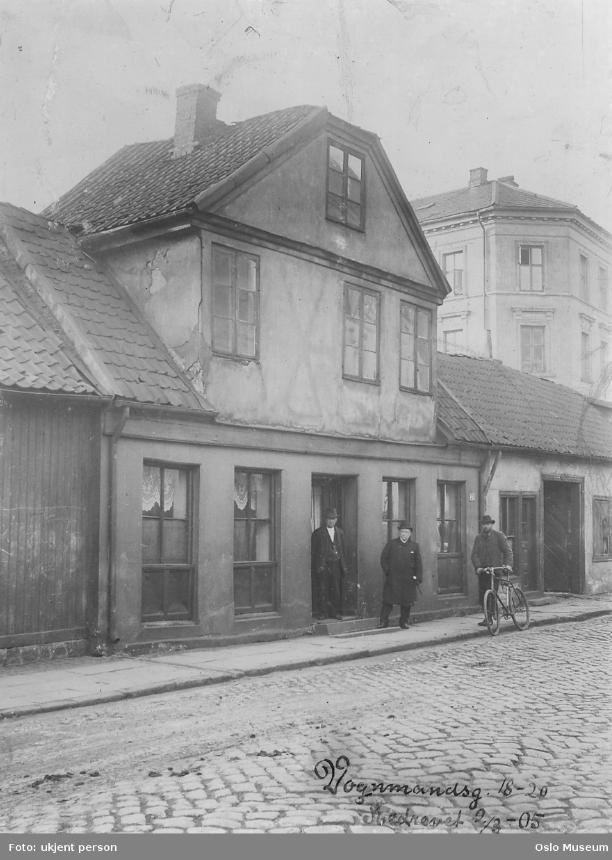 V 18 20 revet 1905 foto samme