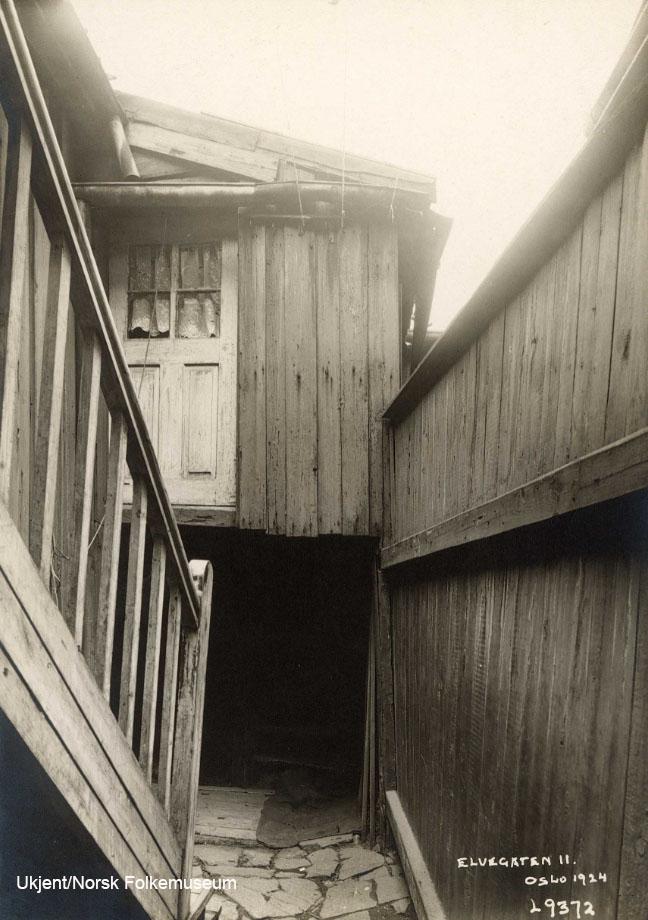 E11 1924