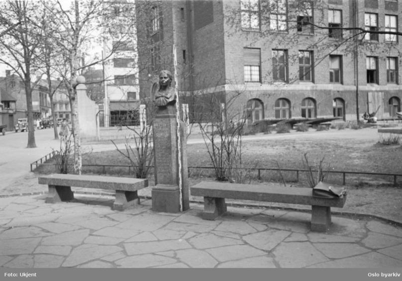 Olafia ca 1942.png